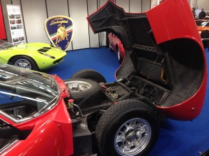 Lamborghini Miura Sverniciatura trattamento scocca auto epoca Torino Italia Europa