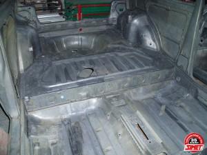 Uno turbo ie Sverniciatura trattamento scocca auto epoca Torino Italia Europa