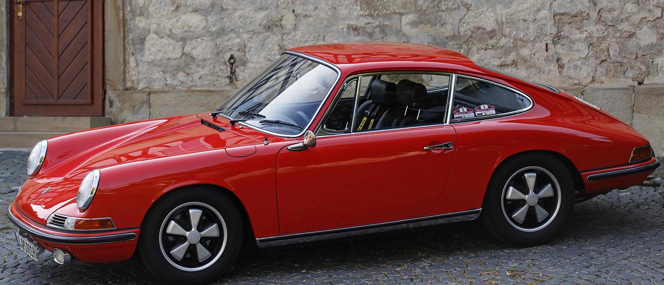 Porsche 911 Sverniciatura trattamento scocca auto epoca Torino Italia Europa