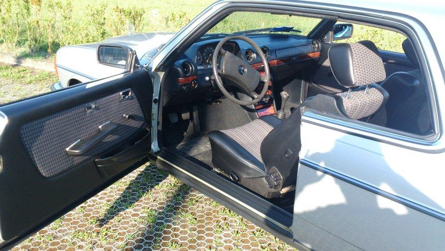 interno lato guida Mercedes-Benz 230C w123-epoca