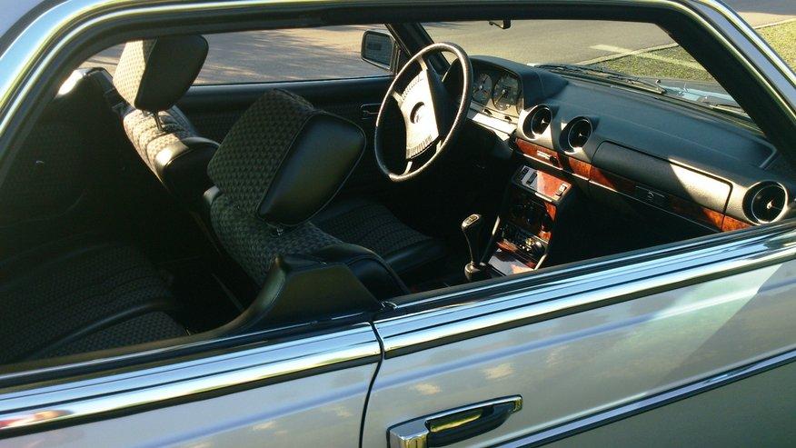 interni lato sinistro Mercedes-Benz 230C